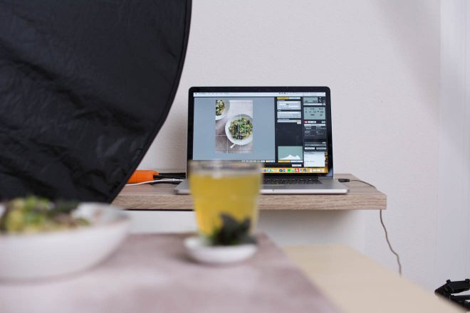 Why and How you should be using tethered shooting in your food photography