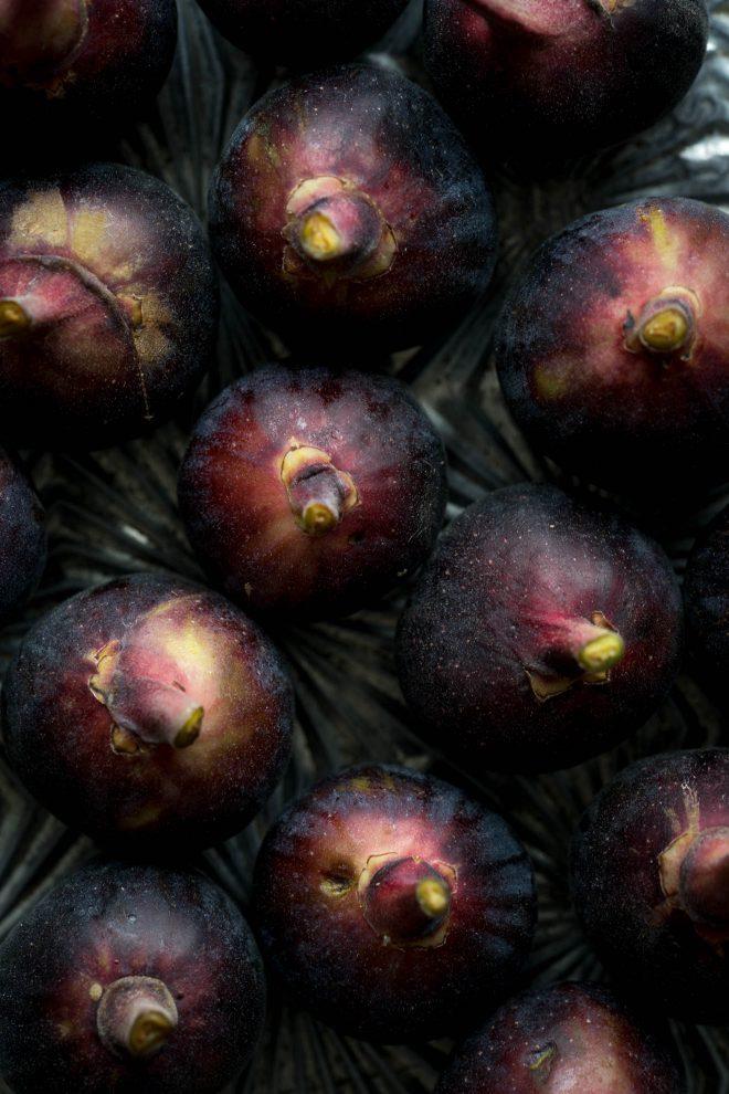 Figs uncut