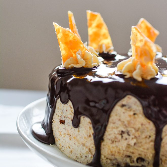 A close up image of a chocolate ganache cake by Lauren Short from Food Photography Academy.